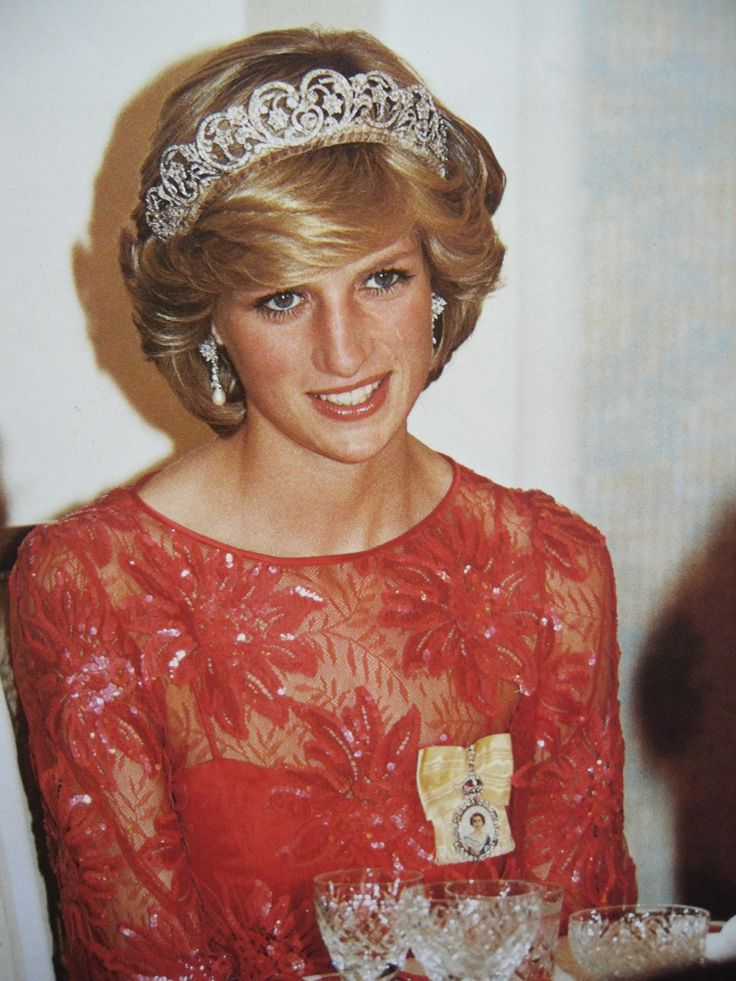 June 30, 1983: Princess Diana attend the last banquet of the tour at Government House, Edmonton, Alberta. (Day 17).