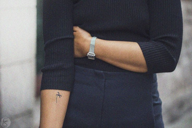 hannamw palm tattoo