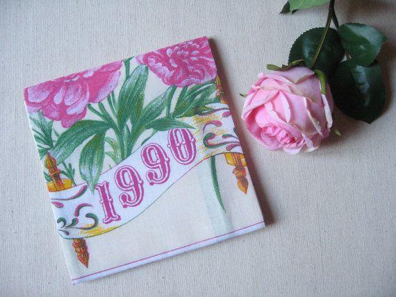 Torchon calendrier 1990 / Vintage français / Motif fleurs roses / Calendrier en tissu / Torchon de collection / Cuisine rétro / Romantique