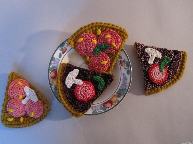 UHM!! Pizza #pizza #crochet #food #toy #gallerigavlen