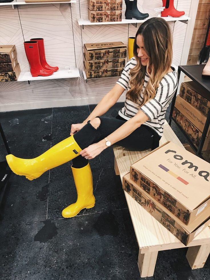 shop for kindness, roma boots, debut mall of America, yellow tall Roma rain boots, Minneapolis blogger, fashion blogger in mn