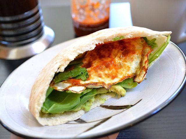 avocado breakfast pita - Budget Bytes