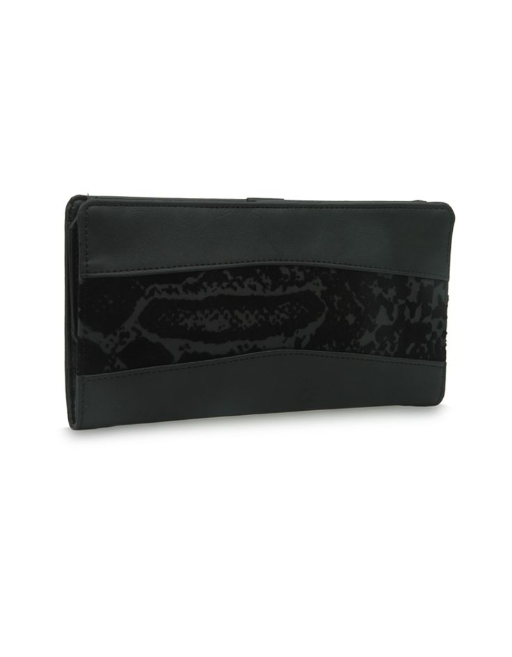 W Brio Bindas Black: A black Baggit wallet accentuated by a floral strip.