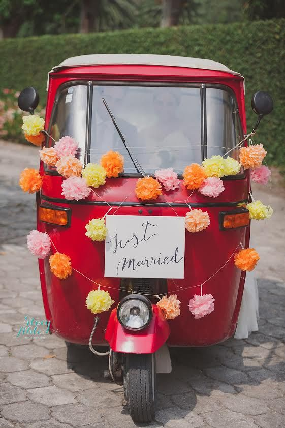 """Fun tropical island """"Just Married"""" transportation 