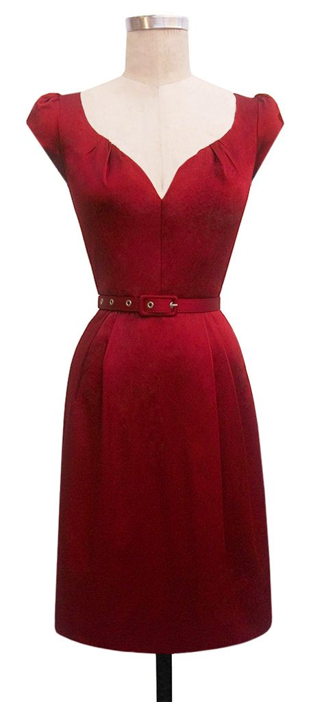 red vintage dress (1940's) darling sweetheart neckline