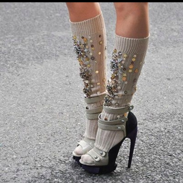 i dont care how much glitter you add, sock and sandals are never ok! :)
