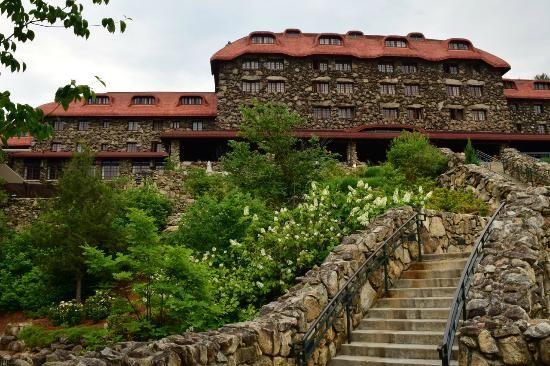 the omni grove park inn | The Omni Grove Park Inn: Back of Grove Park Inn