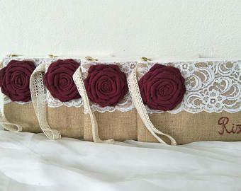 Sistema de embrague de /burlap de nombre de personalizado 5 / encaje embrague mano nombre cosido /wristlet correa / idea de regalo / bolso de la boda