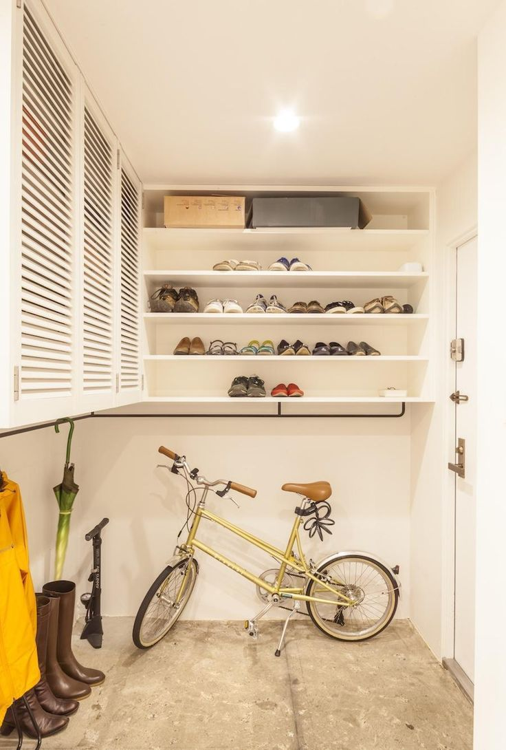 理想の住まいに求めることとして、収納力は欠かせない条件です。さまざまな収納場所がありますが、案外見落としがちなのが玄関スペース。シューズ類や雨具はもちろんのこ…