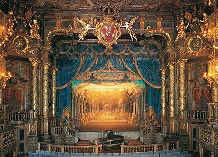 Blick auf die Bühne des Markgräflichen Opernhauses