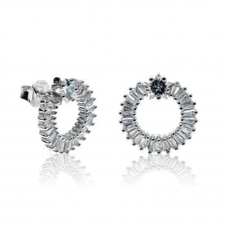 Stříbrné náušnice s kruhem a hvězdičkou ze zirkonů