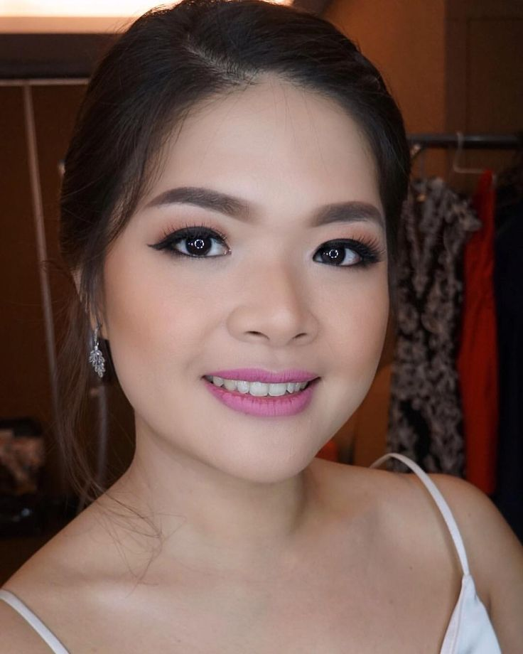 "55 Likes, 2 Comments - Rtdisoho Makeup & Hairdo (@keziafelaniamakeup) on Instagram: "".. Bridesmaid #makeup & #hairdo by rtdisoho mua & hairdo . . ::RTDI Soho for :: #prewedding…"""