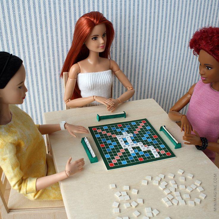 Minimagine: SCRABBLE #barbiemadetomove #madetomove #mtmbarbie #barbiesoccerplayer #barbie #scrabble #playscale #onesixth #diorama #dolldiorama