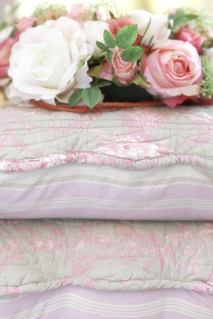 fiori e cuscini rosa