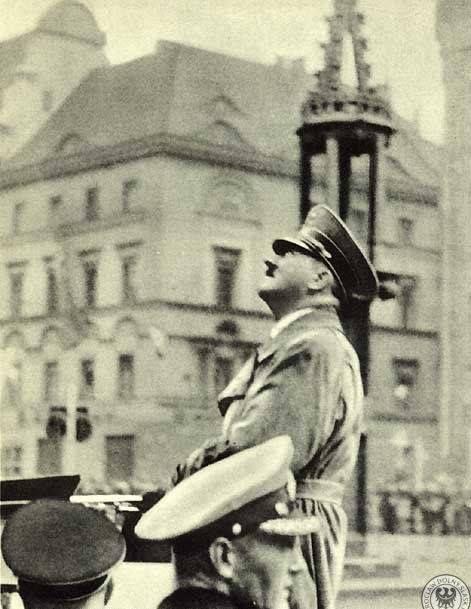 Cóż za ironia - Hitler pod pręgierzem...