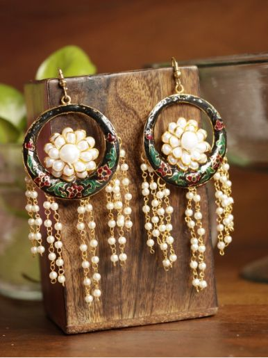 Buy this pair of beautiful and dynamic earrings to enhance your formal as well…