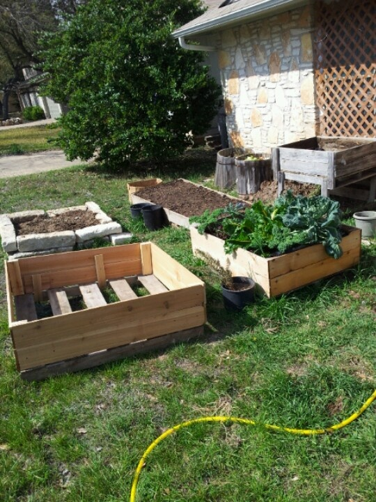 Repurposed pallets garden time for Repurposed pallet projects