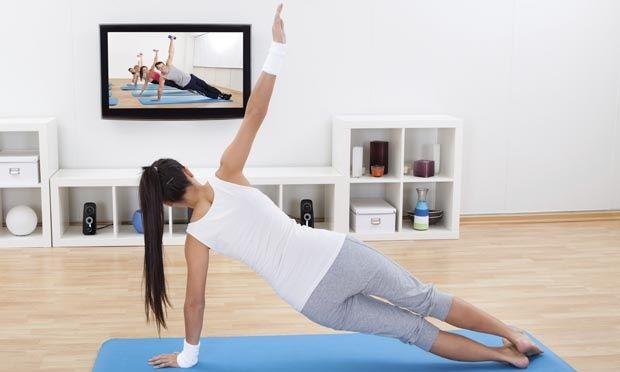 10 exercícios rápidos para fazer antes de sair de casa - Atividade física - Dieta - MdeMulher - Editora Abril