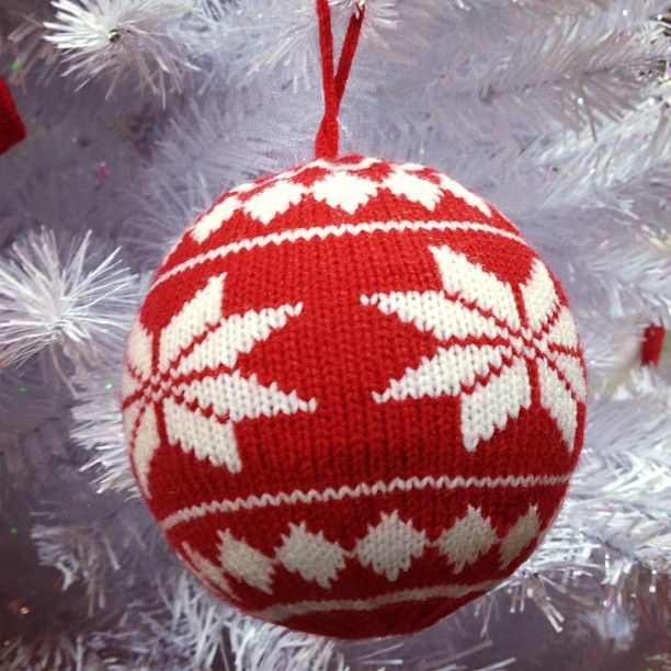 78+ Ideas About Knitted Christmas Decorations On Pinterest