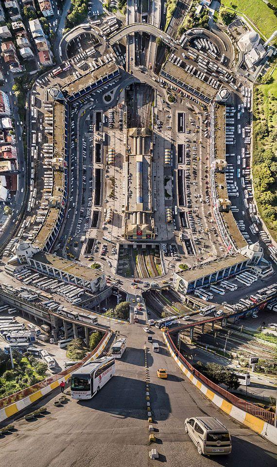 photo inception-istanbul-surreal-city-landscape-flatland-aydin-buyuktas-11_zpse70efyuu.jpg