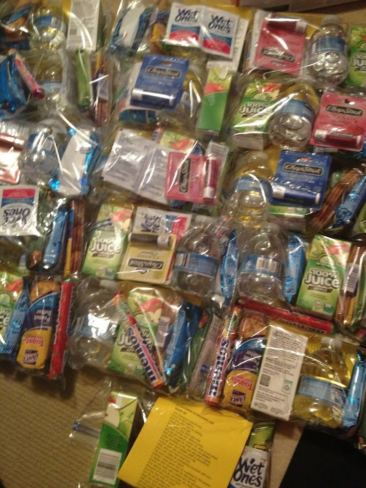 Care Packages for Homeless--havin these in your car is a great idea - could the boys and I do these??