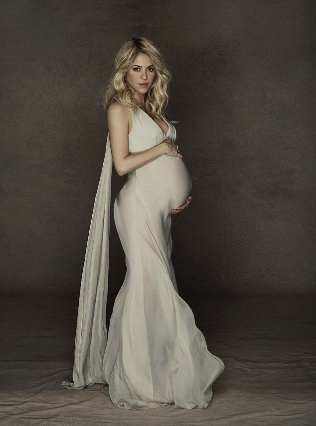 Celebrity Pictures | Pregnant Shakira's Baby Bump, Ultimate Celeb Pics HQ!