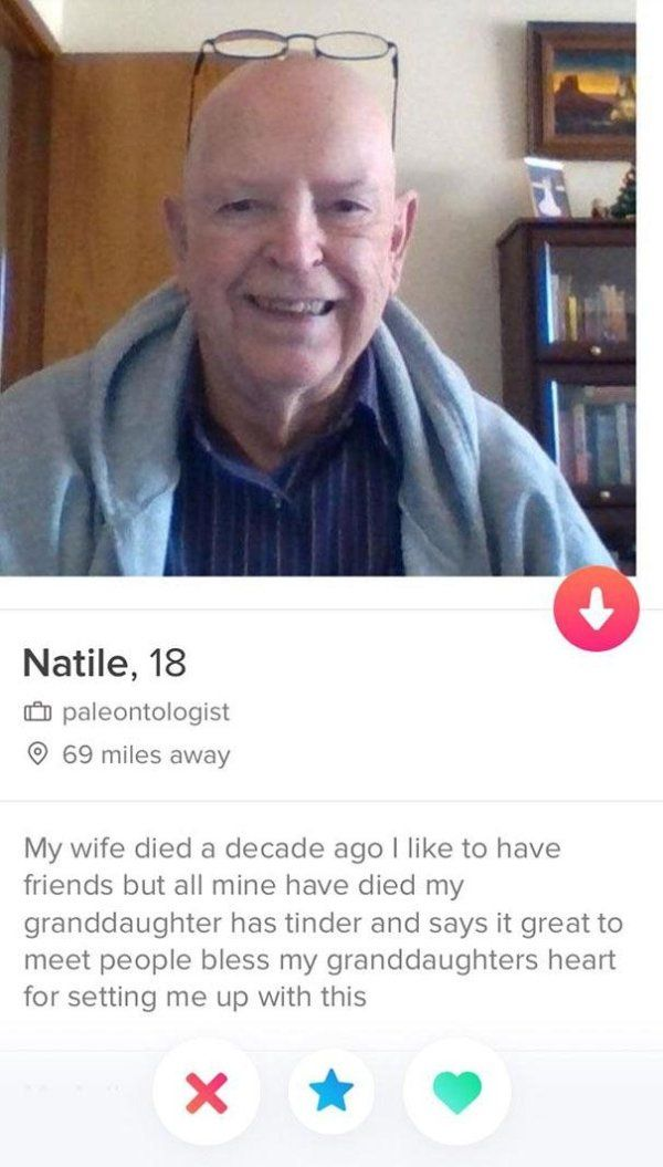 30 Tinder Profiles That Are Just Shameless Funny Dating Quotes Tinder Humor Funny Tinder Profiles