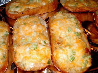 Pioneer Woman's  Garlic Cheese Bread- Had this recently and it was AMAZING!