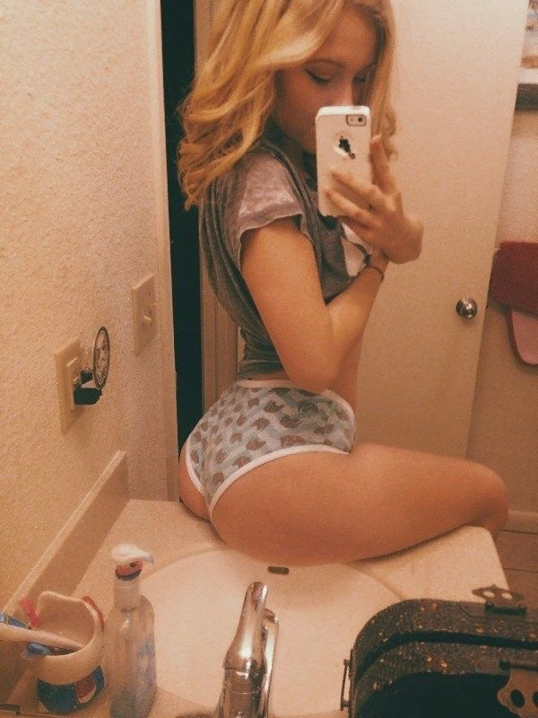 Hocky girl nude images