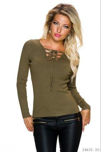 Μονόχρωμο πουλόβερ με rib πλέξη - Λαδί