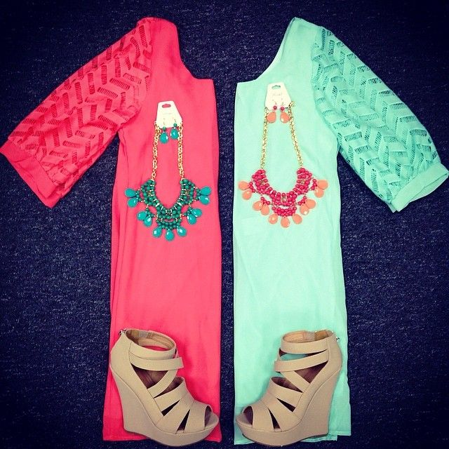 The sleeve length is perfect. Great spring colors!