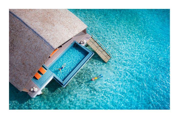 BLUE BLUE BLUE  / PHOTOGRAPHY BY FRANCOIS PEYRANNE