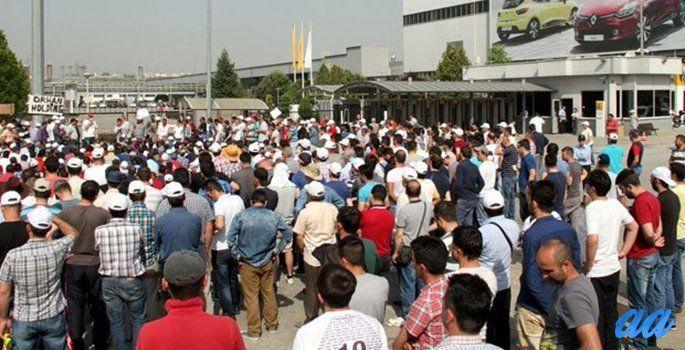 Yıllık 22 milyar dolarlık ihracatla Türkiye ihracatının en büyük parçasını oluşturan otomotiv sektörünün merkezi Bursa'da, otomotiv işçilerinin 'ücret zammı' talebiyle başlattıkları iş bırakma eylemi 6. gününde. Otomotiv sektörünün merkezi konumundaki Bursa'da, otomotiv işçilerinin 'ücret zammı' talebiyle başlattıkları iş bırakma eyleminde altıncı güne gelindi. Bugün itibariyle 4 otomotiv şirketinde üretim yapılmazken, bazı yan sanayi tesislerinde de üretimin durduğu gözleniyor.