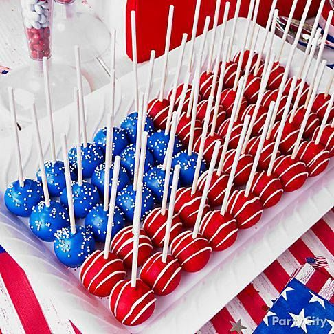 4th of July Crafty recipes and decorations like these Patriotic Cake pops that look like American Flag! They would be great at any Fourth of July Party! Enjoy!
