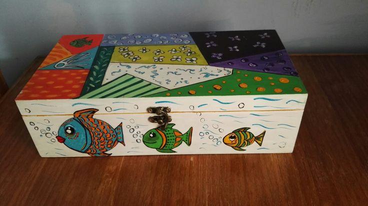 Caja para especies en pintura acrílica.