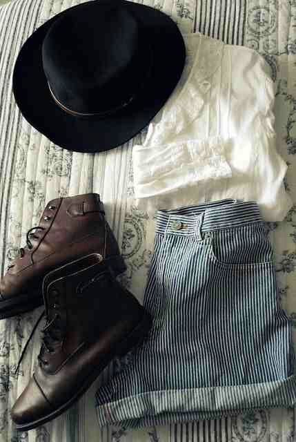 lace top, hat, indie boots, Indie fashion, Hipster Fashion