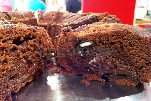 Gooey chocolate cake with cookies! Best chocolate cake ever!