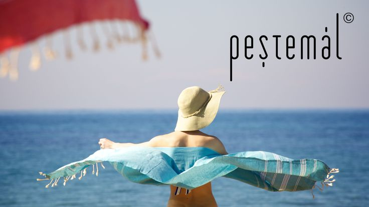 Peştemal is the traditional Turkish towel, which has reached to the present from the historic Turkish hammam era. It has a history of nearly six hundred years in Anatolia. Sultans of the Ottoman dynasty were also wearing peştemal in the hammam.