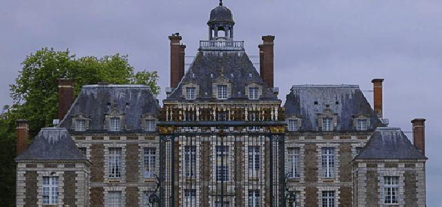 Château de Balleroy - http://www.activexplore.com/activity/chateau-de-balleroy/