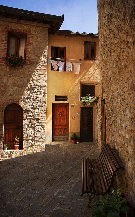 The streets of Italy. Just like Brooklyn, with the clothes hanging on the line...but oh so much better. ~ja