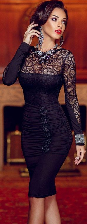 Floral Applique Lace Ruched Bodycon Midi Dress with Long Sleeved