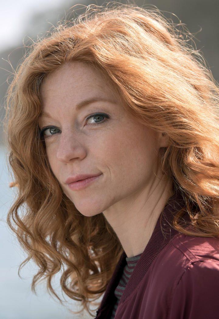 Braune haare locken deutsche schauspielerin Neue Frisur: