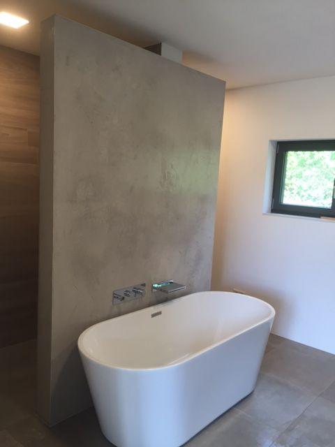 Wohlfühloase Bad Wand Spachteltechnik Sichtbeton Fliesen In Holzoptik