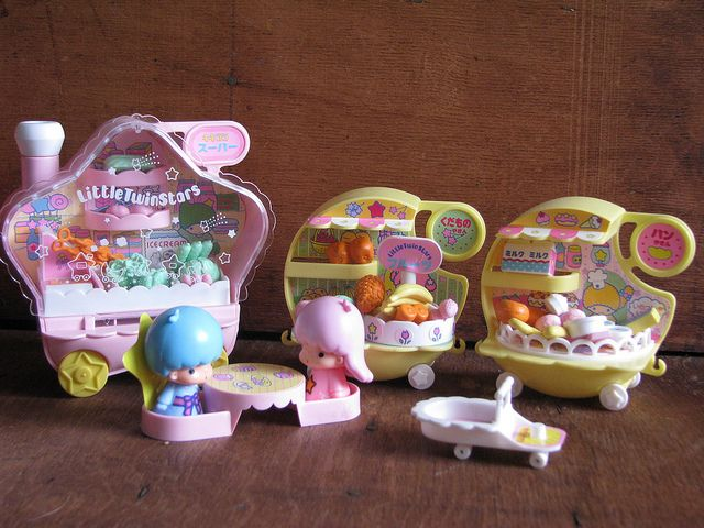 Little Twin Stars Playsets | Little Twin Stars train playset two vintage 1976 | Flickr - Photo ...