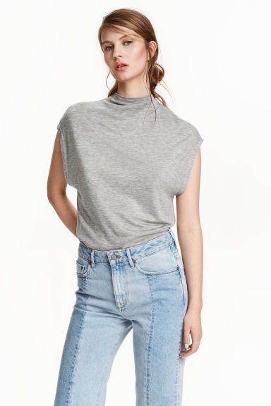Top sem mangas lyocell   H&M