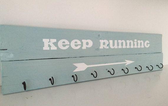 Race medal display, Pallet sign for runners, Running medal holder. Race medal holder. Marathon wall art. Running gift.