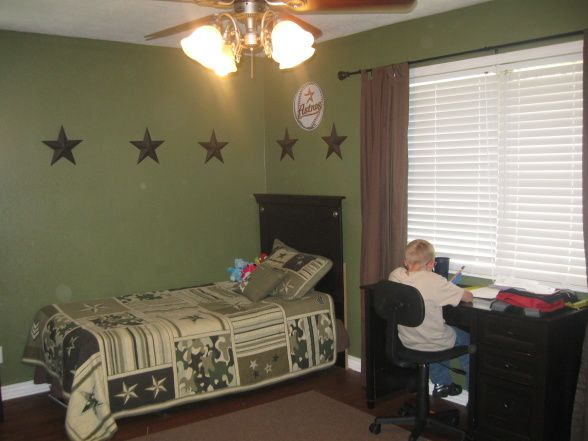 267 best bedrooms teen boys images on pinterest child for Camouflage boys bedroom ideas