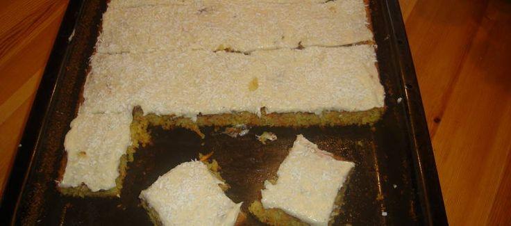 Morotskaka i långpanna med kanel och kardemumma