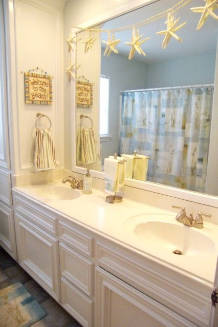 Love This Coastal Inspired Bathroom Lovely Idea About Hanging Starfish Up Like They Have The Grandbabies Would Love Doing This In Theirs Will Help To