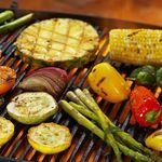 Roast beef casero. Receta sencilla para cualquier día de la semana Marinated Grilled Vegetables, Grilled Broccoli, Grilled Vegetable Recipes, Grilled Zucchini, Grilling Recipes, Churros, Mexican Grilled Corn, Bacon On The Grill, Carrots And Potatoes